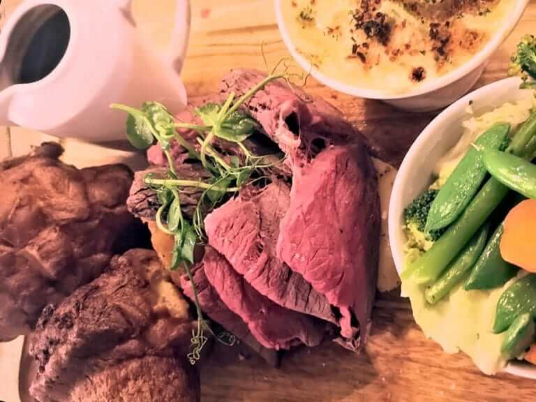 https://www.pheasantatneenton.co.uk/wp-content/uploads/2019/11/Sunday-Beef-Platter-1b-e1573119817676.jpg